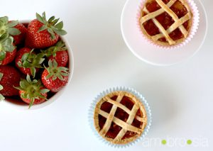 Mini Strawberry-Rhubarb Pies @ambrosia_tweets #wishfarms