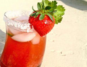 Spicy Strawberry & Cilantro Margarita @DashofLes @wishfarms